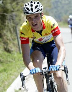 Luis León Sánchez con el Maillot de líder en la Vuelta a Asturias