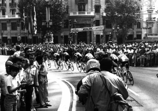 Aquella edición de La Volta 1988 vio a Miguel Induráin alzarse con su primer gran triunfo