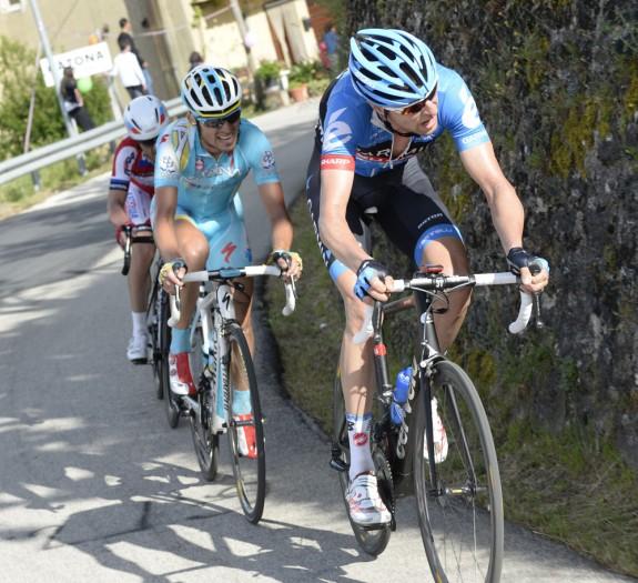 Las rampas de Sella di Cotano pusieron en jaque la carrera con algo de ayuda de Hesjedal. (foto: cyclingweekly.co.uk)