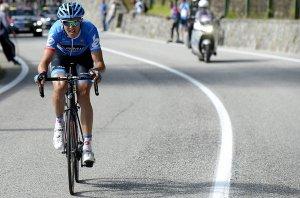 Excepcional el Giro que ha realizado el lituano Navardauskas (foto:lavanguardia.com