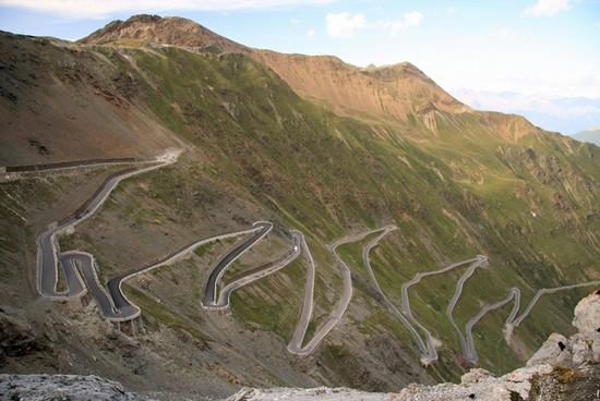 Espectaculares vistas del Passo dello Stelvio, la Cima Coppi 2013 (placesonline.es)