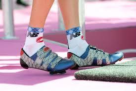 Estas zapatillas corresponden a un Garmin. Podían ser de Stetina, Vandevelde o Danielson ya que no los hemos visto en el Giro (foto: sobreotrostemas.blogspot.com)