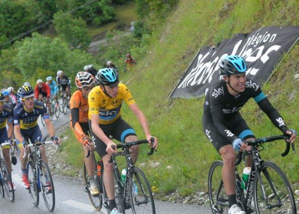Sky y Froome han demostrado que van a ir al Tour a por todas (foto: bicycling.com)