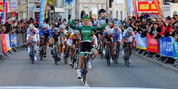 Así venció Coquard en Bessèges.