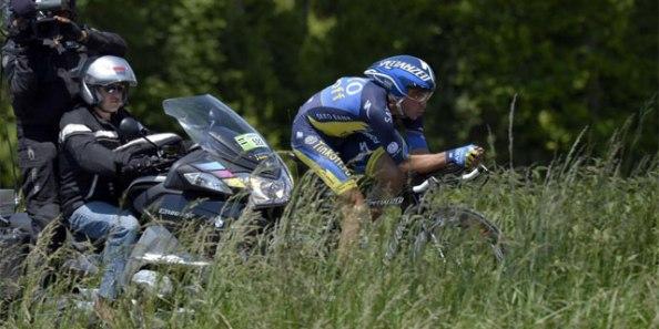 Contador recibió un duro golpe en la crono de Dauphiné (foto: elmundo.es)