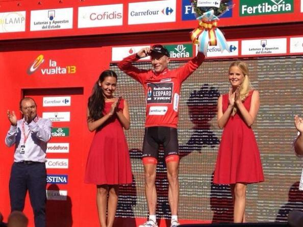 Chris Horner gana la tercera etapa y se viste de rojo.