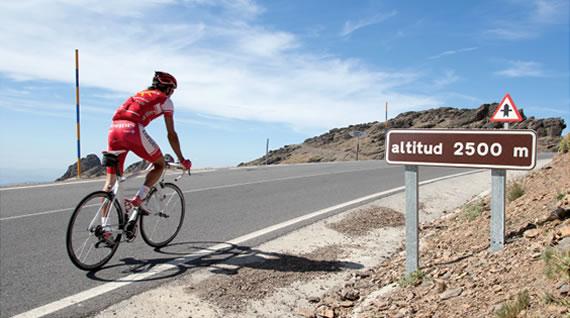 Sierra Nevada es un paso casi obligado por Andalucia (foto:sierranevada.es)