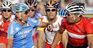 Freire se quedó con Bettini e Italia desmanteló de esa manera al equipo español.