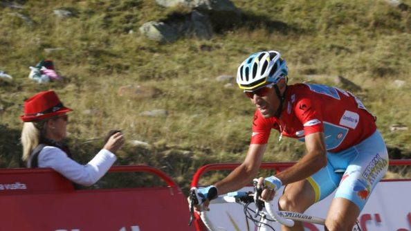 Nibali tuvo que responder en solitario a muchos frentes.