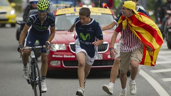 El apoyo que recibió Valverde durante la subida final (foto:rtve.com)