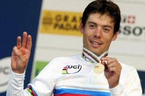 Freire es uno de los pocos ciclistas que ha sido tres veces campeón del mundo (foto:pelotonagrupado.blogspot.com)