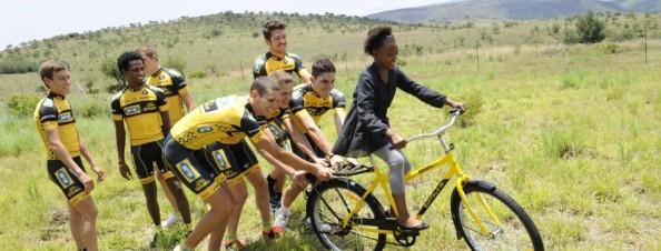 El proyecto del MTN-Qhubeka va más allá del ciclismo (foto:qhubeka.org)