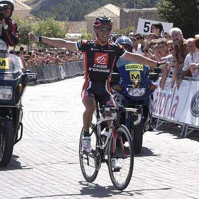 Purito Rodríguez celebrando la victoria en los campeonatos de España