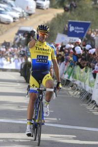 Contador volvió a disparar.