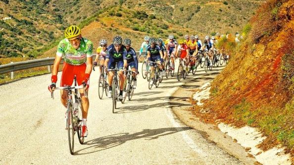 Maté es portada del libro de ruta de la Vuelta a Andalucía 2014 (foto:ciclo21.com)