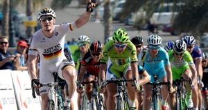 Greipel batiendo a Sagan (foto:elpedalnoticias.es)