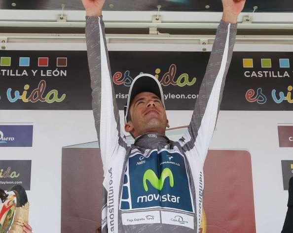 Javi Moreno dedicando la victoria a Xavi Tondo en Castilla y León 2012 (foto:marca.com)