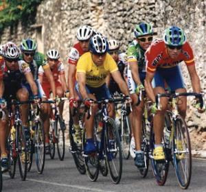 Alejandro Valverde, campeón de España de aficionados en 2001, con el maillot del Kelme amateur (Foto:laudioartezikloturismoa.blogspot.com.es)