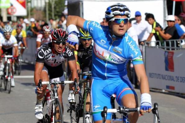 Juanjo Lobato con el equipo Andalucía de su tierra (foto:lainformación.com)
