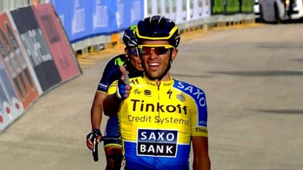 Contador celebrando el triunfo