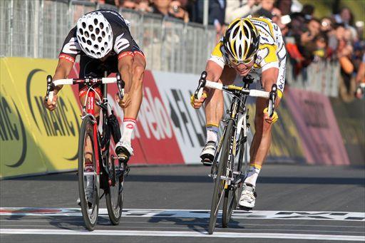 Cavendish se impuso de este modo en la Milán-San Remo 2009