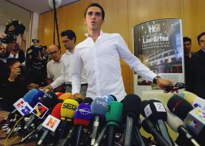 La prensa se rinde a Contador
